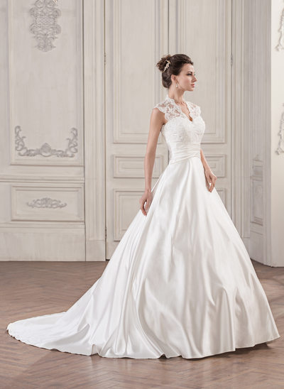 Robe Marquise Col V Traîne moyenne Satiné Dentelle Robe de mariée avec Plissé