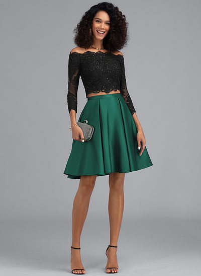 A-linje Off-shoulder Kort/Mini Satin Homecoming Kjole med Perlebesat pailletter