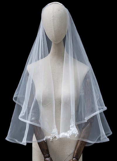 Two-tier Lace Applique Edge Elbow Bridal Veils