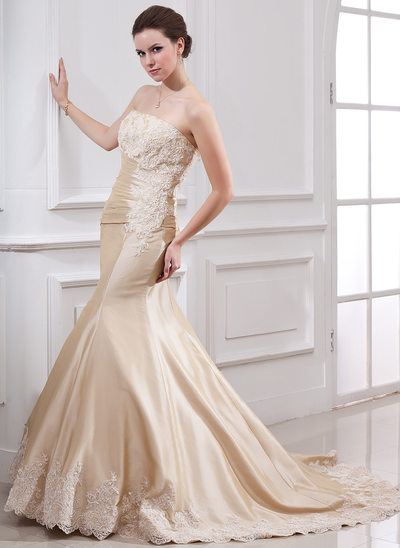 Trumpet/Mermaid Strapless Court Train Taffeta Wedding Dress With Ruffle Lace Beading