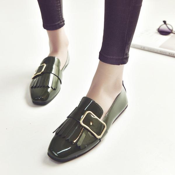 Kvinnor PU Flat Heel Platta Skor / Fritidsskor Stängt Toe med Spänne skor