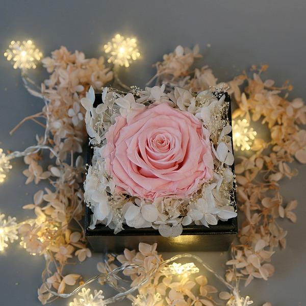 Vackra Och Attraktiv Siden blomma Konstgjorda Blommor