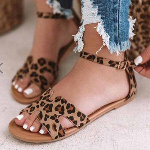 Kvinnor Tyg Flat Heel Sandaler skor