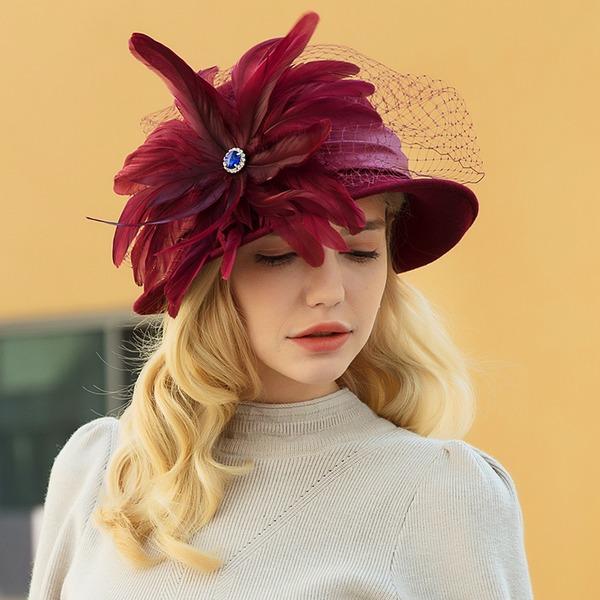 Damer' Klassisk stil/Elegant/Enkel Ull/Netto garn med Fjäder Kastare / Cloche Hat