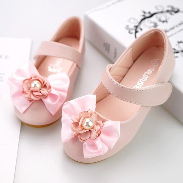 Mädchens Round Toe Geschlossene Zehe Leder Flache Ferse Flache Schuhe Blumenmädchen Schuhe mit Klettverschluss Blume