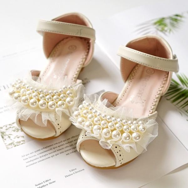 Mädchens Peep Toe Leder Flache Ferse Flache Schuhe Blumenmädchen Schuhe mit Bowknot Klettverschluss Perle