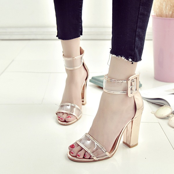 Naisten PVC Chunky heel Sandaalit Avokkaat Peep toe jossa Solki kengät