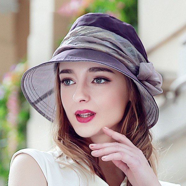 Ladies' Fashion/Glamourous Silk With Flower Bowler/Cloche Hat