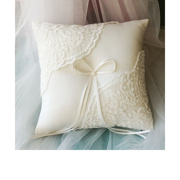 Ring Pillow in Lace