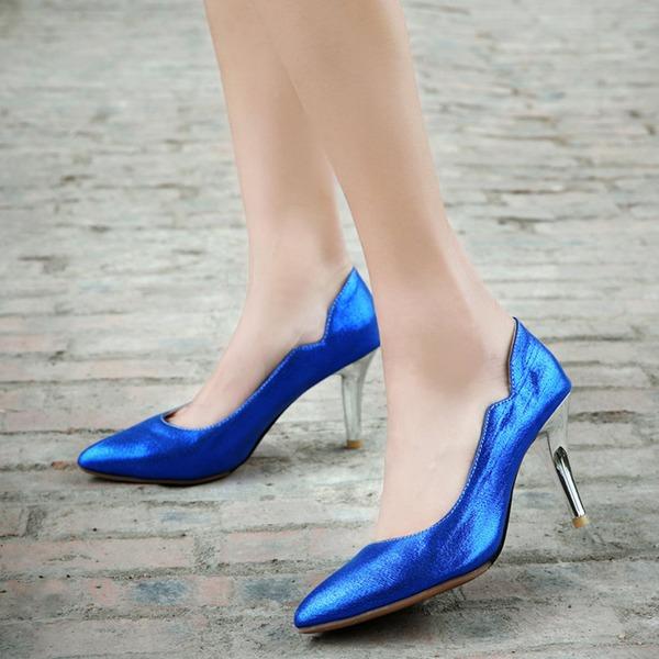 Mulheres Couro Salto agulha Bombas Fechados com Outros sapatos