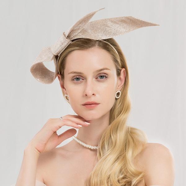 Ladies ' Efterspurgte/Glamourøse/Elegant/Forbløffende/Fancy/High Quality Kambriske Fascinators