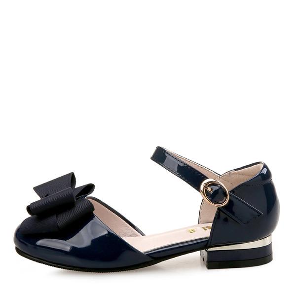 Flicka rund tå Stängt Toe Lack platt Heel Sandaler Platta Skor / Fritidsskor Flower Girl Shoes med Bowknot