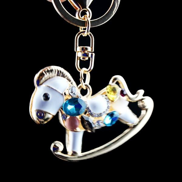 Klassisk Nydelig Hobbyhorse Designet Crystal/Krom Nøkkelringer