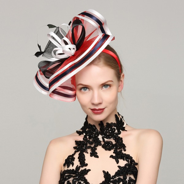 Dames Exquis Batiste/Feather avec Feather Chapeaux de type fascinator