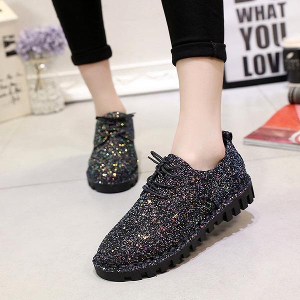 Kvinnor Glittrande Glitter Flat Heel Platta Skor / Fritidsskor Stängt Toe med Bandage skor