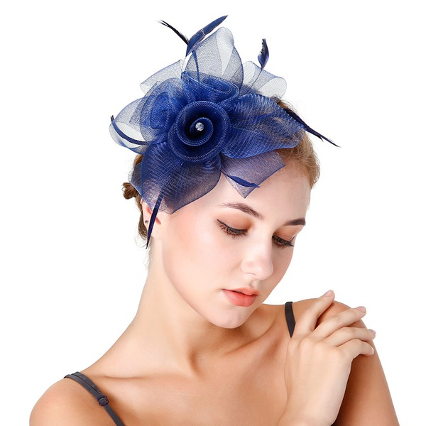 Dames Betoverend Feather/Netto garen met Feather Fascinators