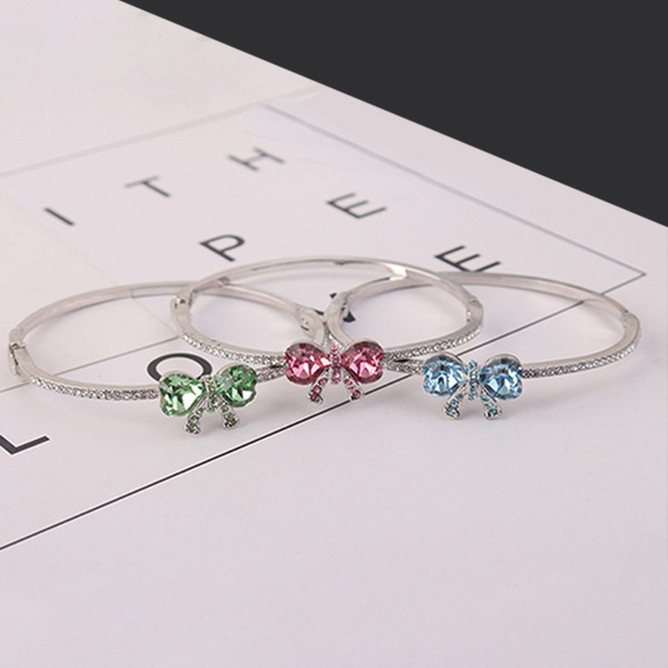 Bow Shaped Alloy Crystal With Imitation Crystal Fashion Bracelets (Sold in a single piece)