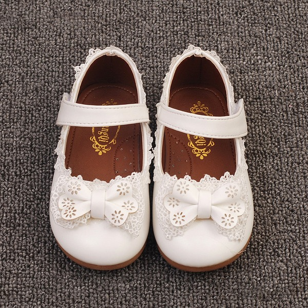 Pigens Round Toe Lukket Tå First Walker Leatherette Flad Hæl Fladsko Flower Girl Shoes med Bowknot Velcro