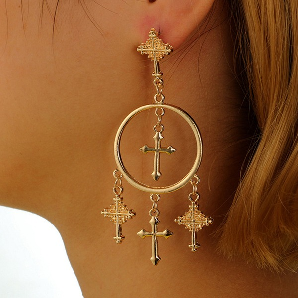 Stylish Alloy Women's Fashion Earrings (Sold in a single piece)