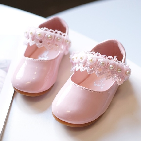 Mädchens Round Toe Geschlossene Zehe Leder Flache Ferse Flache Schuhe Blumenmädchen Schuhe mit Stich Spitzen Klettverschluss