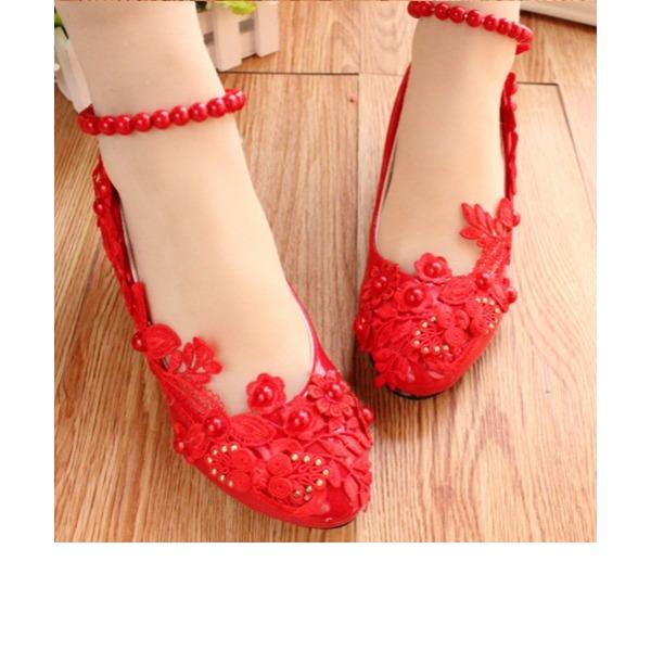 Vrouwen Kunstleer Low Heel Closed Toe Pumps met Imitatie Parel Stitching Lace Bloem Keten