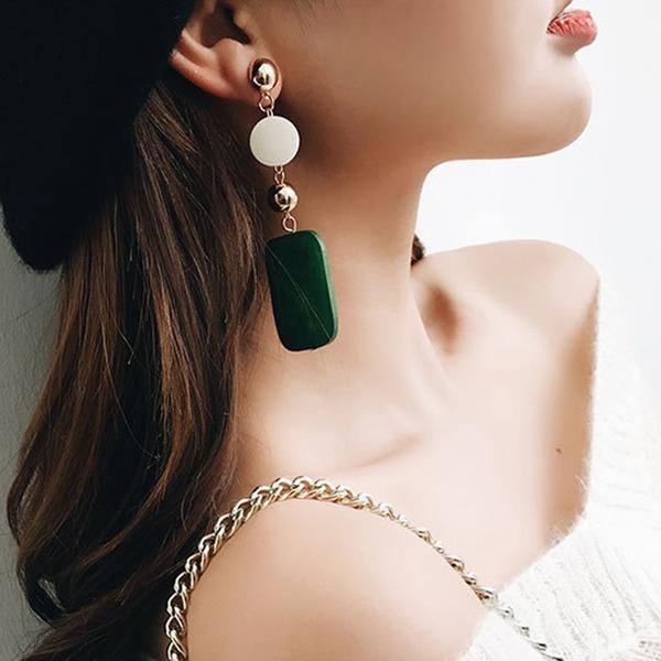 Mode Legierung Holz Frauen Art-Ohrringe (Set von 2)