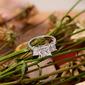 Plata esterlina Zirconia cúbica aureola Piedra Tres Solitario Corte Princesa Anillos de compromiso -